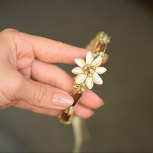 Hawaiian shell flower bracelet